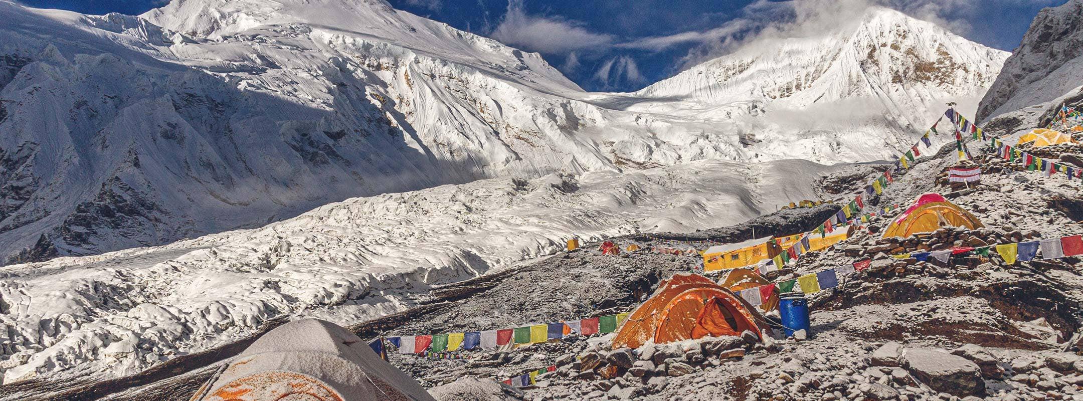 Gipfelerfolg am Manaslu (8.163 m)