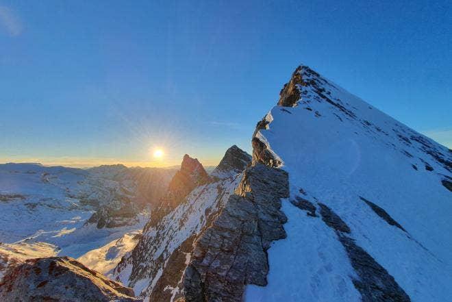 Jessy Pivier climbs Epéna North Face