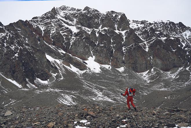 DeWilde Style : New Route in Alaska's Hayes Range